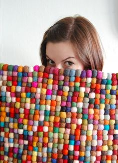with little balls of felted wool.it is darling and would last for ever. (make w/pompons instead? Felt Crafts, Fabric Crafts, Tapetes Diy, Home Crafts, Diy Crafts, Cool Ideas, Wet Felting, Diy Projects To Try, Sewing Projects
