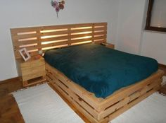 Pallet Furniture Ideas 42 DIY Recycled Pallet Bed Frame Designs - Page 5 of 6 - Easy Pallet Ideas - This collection of 42 DIY pallet bed ideas which are here to get you inspired of wooden creativity and pallet wood recycling to make pallet projects. Pallet Bed Frames, Wooden Pallet Crafts, Diy Pallet Bed, Pallet Ideas Easy, Wooden Pallet Furniture, Pallet Wood, Furniture Ideas, Diy Wood, Furniture Design