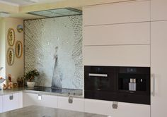 Mosaico Arte e Mestieri, white peacock, glass mosaic.
