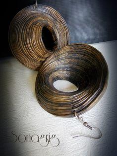 Loop earrings by Sona Grigoryan Paper Bead Jewelry, Paper Earrings, Art Deco Earrings, Paper Beads, Unique Earrings, Polymer Clay Earrings, Polymer Clay Creations, Polymer Clay Crafts, Magazine Crafts