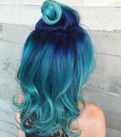 My dream hair. Pulp Riot Hair Color on In Teal Hair Color, Turquoise Hair Ombre, Mermaid Hair Colors, Blue Green Hair, Blue Ombre Hair, Aqua Hair, Neon Hair, Bright Hair Colors, Violet Hair