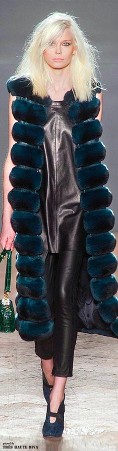 #Milan Fashion Week Simonetta Ravizza Fall/Winter 2014 RTW love the teal colour