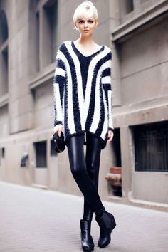 ★ //» Scoop Neck Knitted Sweater With Vertical Stripes