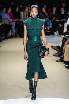 Alexander McQueen at Paris Fashion Week Fall 2018 - Livingly