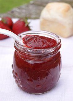 Confiture de fraises et de mangues