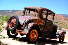 Rusty old car. Love it. Found this on route 66.