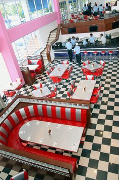 So sometimes I think it could be fun to have a wedding reception in a retro diner! Just imagine the tables arranged to accommodate a dance floor and a jazz band set up in the corner.