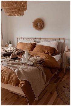 Boho Bedroom Decor, Room Ideas Bedroom, Bedroom Inspo, Dream Bedroom, Home Bedroom, Bedroom Designs, Budget Bedroom, Earthy Bedroom, Warm Cozy Bedroom
