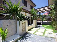 千葉県八千代市 バリ風アジアンガーデン Backyard, Patio, Interior Designing, Exterior Design, Sidewalk, Asian, Landscape, Garden, Outdoor Decor