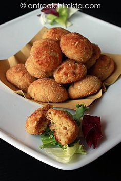 Meatballs with baked tuna and ricotta Fish Recipes, Meat Recipes, Cooking Recipes, Healthy Recipes, Healthy Foods, I Love Food, Good Food, Yummy Food, Tuna Bake