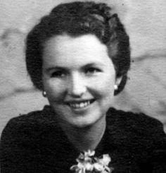 La criptoanalista Mavis Lilian Batey (1921-2013) nació un 5 de mayo.