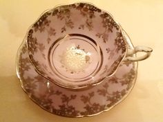 Db warrant Paragon pale mauve with silver leaves and silver snowflake in bottom