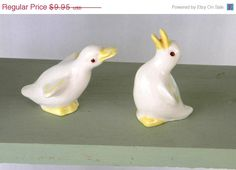 Vintage White and Yellow Pair of Duck Figurines by RitasGarden