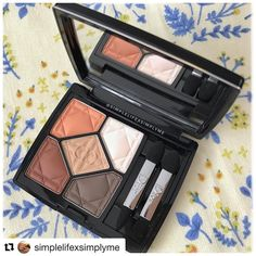 #Repost @simplelifexsimplyme (@get_repost)  Dior 5 Couleurs 627 Embrace . I can't remember when I last bought an eyeshadow palette much less coming across one that made my heart skip a beat the moment I set my eyes on it. . . . . #newin #diormakeup #dior5couleurs #dior5couleurs2017 #dior5couleurs627 #dior5couleurs627embrace #embrace #dior627embrace #allmatte #matteeyeshadows #daimarumatsuzakaya #daimarumatsuzakayaexclusive #notavailableinasia