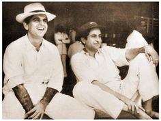 Watch a recording of Raj Kapoor Vs Dilip Kumar Cricket match a beneficiary match soon after the end of the Indo-China war of Vintage Bollywood, Indian Bollywood, Pakistani, Old Film Stars, Celebrity Stars, Rare Videos, Cricket Match, Rare Pictures, Old World Charm