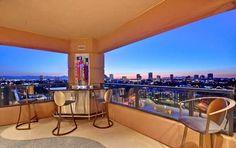 Departamento de lujo en Arizona con amplias vistas a la ciudad http://www.arquitexs.com/2013/11/departamento-de-lujo-en-arizona-con.html