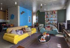 Decoração de: parede azul; Casa de Valentina
