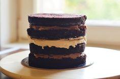 Mogyoróvajas csokitorta - Jelige: pucéran is elegánsan! Tiramisu, Cheesecake, Ethnic Recipes, Sweet, Food, Candy, Cheese Pies, Cheesecakes, Meals