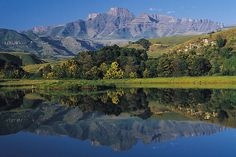Destinations – South African Tourism Champagne Castle in the Drakensberg KwaZulu Natal South Africa Tours, Provinces Of South Africa, Safari, Namibia, Kwazulu Natal, Out Of Africa, Beautiful Beaches, Beautiful Scenery, Beautiful Life