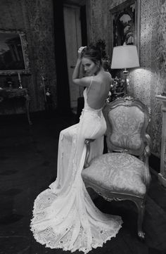 #backless Wedding Dress... Brides & grooms, bridesmaids & groomsmen, parents & planners ... the how, when, where & why of wedding planning ... https://itunes.apple.com/us/app/the-gold-wedding-planner/id498112599?ls=1=8  ♥  THE GOLD WEDDING PLANNER iPhone App ♥ http://pinterest.com/groomsandbrides/boards/ Answers to so may questions.