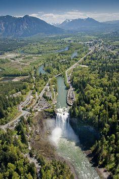 Snoqualmie Falls, Washington, United States. Aerial view of Snoqualmie Falls, Snoqualmie River and the Salish Lodge.