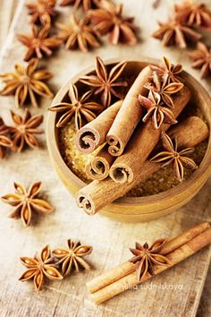 Cinnamon sticks and anise star