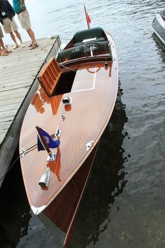 1929 Ditchburn 21′ – Yoholme .. wood not add anything else to this boat.