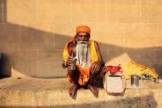 Issue 65 Yen: Varanasi Photo Essay by Kate Lewis.  http://katelewisphoto.tumblr.com/