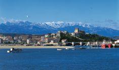 San Vicente de la Barquera con los Picos de Europa al fondo #Cantabria #Spain