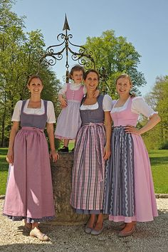Tostmann Dirndl & Trachtenmode - DirndlKaufen.com Dirndl Dress, Dress Up, Folk Fashion, Vintage Fashion, German Costume, German Outfit, German Women, German Fashion, Vestidos Vintage