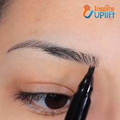 Waterproof Microblading Pen - ⭐⭐⭐⭐⭐ The unique applicator allows you to create a more hair-like, natural brow appearance. Obtain beautifully polished eyebrows using the selection of shades to find one that matches your hair color. Beauty Make-up, Beauty Skin, Beauty Hacks, Hair Beauty, Beauty Ideas, Eyebrow Makeup, Skin Makeup, Makeup Eyebrows, Eye Brows