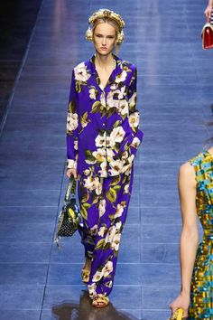 Dolce Gabbana Fashion Show Ready to Wear Collection Spring Summer 2016 in London