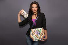 Lilac luxury con cartera de piel exclusiva a juego pintada a mano