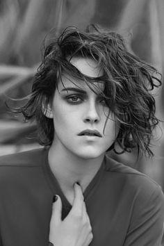 New Short Haircuts for Oval Faces in 2020 - Fashionre Kristen Stewart Cheveux Courts, Kristen Stewart Short Hair, Kirsten Stewart, Kristen Stewart Hairstyles, New Short Haircuts, Oval Face Haircuts, Short Hair Cuts, Short Hair Styles, Oval Faces