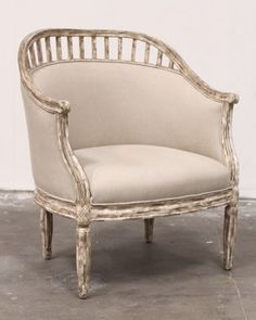 Love this armchair. Obsessing over linen right now.