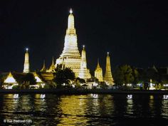 Wat Arun bei Nacht vom Chao Phraya Fluss aus fotografiert Bangkok, Tower, River, Temple, Night, Computer Case, Towers, Building