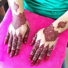 Malay wedding henna/mahendi.  Simple bridal mahendi