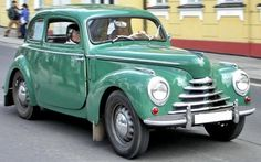 Veteráni - Škoda | Škoda 1102 (Tudor) Vintage Bikes, Vintage Cars, Antique Cars, Auto Journal, Mobiles, Old Signs, Small Cars, Tudor, Bugatti