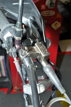 RoadRUNNER: Installing a Hydraulic Clutch on Your KLR