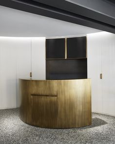 55 Croisette by Humbert & Poyet - the delicacy Time Reception Desk Design, Lobby Reception, Lobby Bar, Reception Counter, Lobby Lounge, Hotel Lobby, Bar Counter, Spa Interior, Interior Design