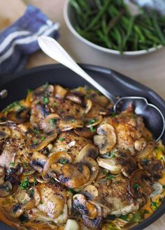 Luxury chicken pan with mushroom – with or without cream – Oppskrifters Healthy Snacks, Healthy Recipes, Meal Recipes, Danish Food, Small Meals, Happy Foods, I Love Food, I Foods, Chicken Recipes