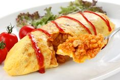 Omurice o omuraisu, l'omelette con riso saltato giapponese How To Cook Rice, How To Cook Eggs, Rice Cooker Recipes, Cooking Recipes, Omelet Rice Recipe, Omurice Recipe, 365days, Cook At Home, Easy Food To Make