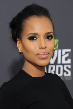 Red Carpet Beauty 2013: MTV Movie Awards, April 2013 - A neat up-do and smoky eye make-up complemented by glowing skin made up Kerry Washington's elegant beauty look.