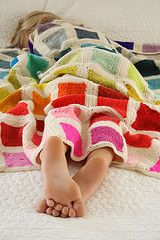 Super Easy Crib Blanket - the purl bee Oh crocheted blanket of chevron radness! crochet blanket blanket from the purl bee New! Purl Bee, Crochet Blanket Patterns, Knitting Patterns, Crochet Afghans, Crochet Blankets, Free Knitting, Embroidery Patterns, Knitting Projects, Crochet Projects