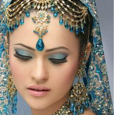 Indian Bridal Makeup Wear Hairstyles Dresses Jewellery Mehndi Jewelry Lehenga Wear Saree 2013: Indian Bridal Headpiece Pictures Photos Images Pics Designs 2013