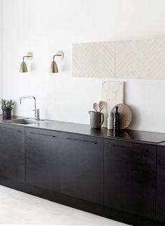 The kitchen that is top-notch white kitchen , modern kitchen , kitchen design ideas! Minimal Kitchen Design, Kitchen Design Open, Interior Design Kitchen, Minimal Design, Black Kitchens, Cool Kitchens, Open Kitchens, Kitchen Black, Kitchen Modern