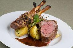 Un plato fuerte para impresionar. El pesto esta delicioso y se puede usar con otras carnes y pollo. Buenísima receta.