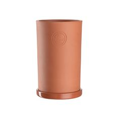 Keep drinks at the optimum temperature with this Terracotta wine cooler from Leonardo. Perfect for keeping a bottle of wine chilled during a dinner party or summer evening outdoor event, the terracott