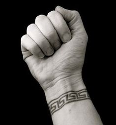 Google Image Result for http://img.ehowcdn.com/article-new/ehow/images/a06/bh/au/armband-tattoo-ideas-1.1-800x800.jpg