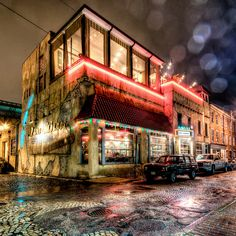 Havana 59, Richmond VA. One of my favorite #RVA spots – Wish I could say it was Havana Cuba but it is in the rain which added a lot of shine to this shot. By Bill Dickinson skynoirphotography.com